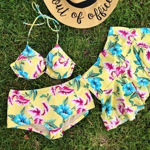 Victoria's Secret 3 piece matching bikini set